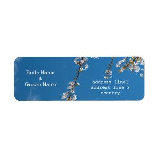 Kirschblüte in den Hochzeits-Adressen-Etiketten