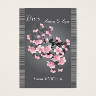 Kirschblüte (Kirschblüte) auf einem hellgrauen Visitenkarte