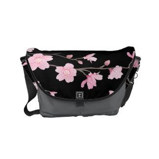 Kirschblüte Kuriertasche