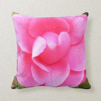 Kissen - dunkle rosa Kamelien 1 u. 2
