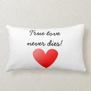 love kissen. Black Bedroom Furniture Sets. Home Design Ideas