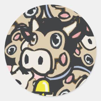 Kitschy Pop-Kunst-Molkereimoo-Kuh in der Retro Art Runde Aufkleber