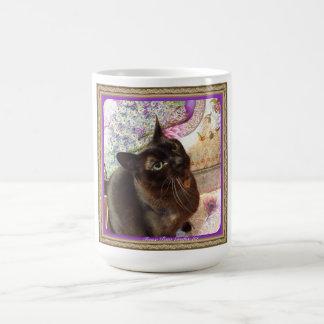 Kiwi in einem Kasten, Reihe 1, Pose 2, Pflaume Kaffeetasse