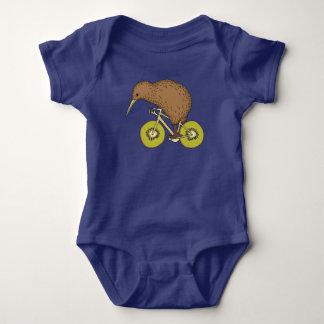 Kiwi-Reitfahrrad mit Kiwi-Rädern Baby Strampler