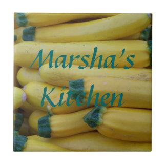Klare gelbe Zucchini-Name-Fliese Fliese