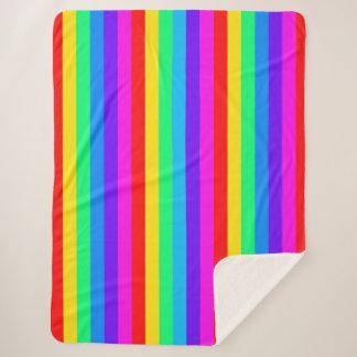 Klare Regenbogen-Streifen Sherpadecke