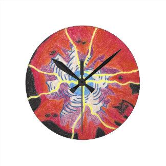 Klärung der Reich-mittleren runden Uhr
