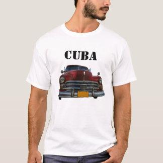 Klassisches amerikanisches Auto in Vinales, Kuba T-Shirt