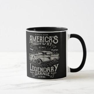 Klassisches amerikanisches Landstraße des Tasse