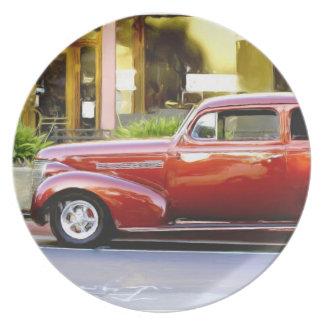 Klassisches rotes Auto Flache Teller