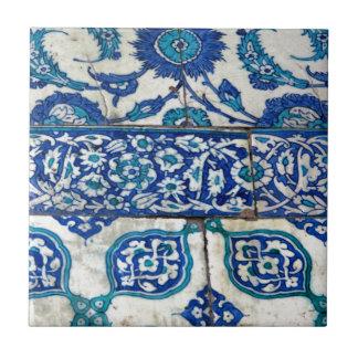 Klassisches Vintages iznik blaue und weiße Keramikfliese