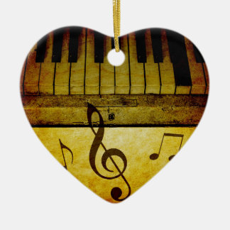 Klavier befestigt Vintages Keramik Herz-Ornament