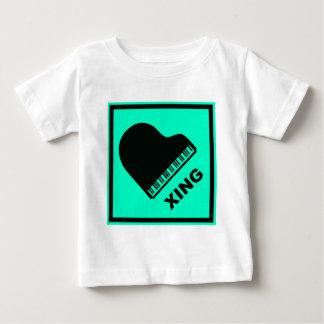 Klavier, das Xing Verkehrszeichen kreuzt Baby T-shirt