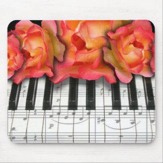 Klavier-Tastatur-Rosen und Musiknoten Mousepads