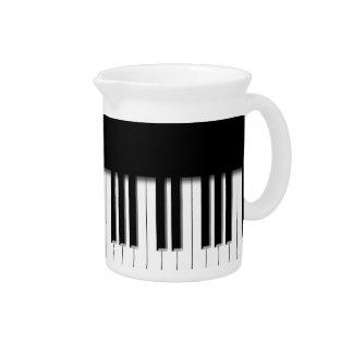 Klavier-Tasten Getränke Pitcher