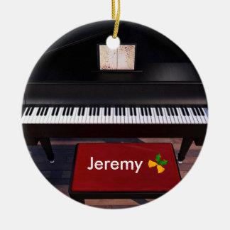 Klavier und roter Klavier-Schemel, Keramik Ornament