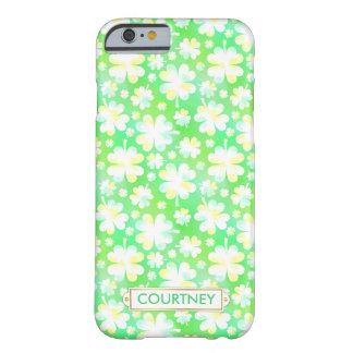 Klee-grüne Kleeblatt-irischer hübscher Barely There iPhone 6 Hülle
