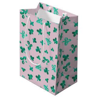 Klee verlässt mittlere Mattgeschenk-Tasche Mittlere Geschenktüte