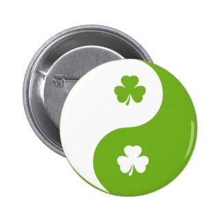 Kleeblatt, das Yang ying ist Anstecknadelbuttons