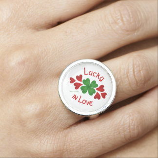 Kleeblatt und Herzen Ring