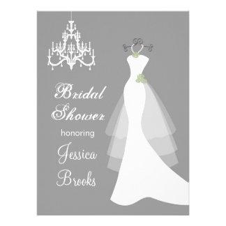 Kleid Leuchter auf grauer Brautparty-Einladung