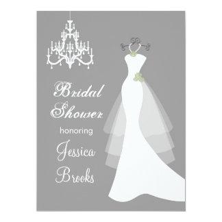 Kleid, Leuchter auf grauer Brautparty-Einladung 16,5 X 22,2 Cm Einladungskarte