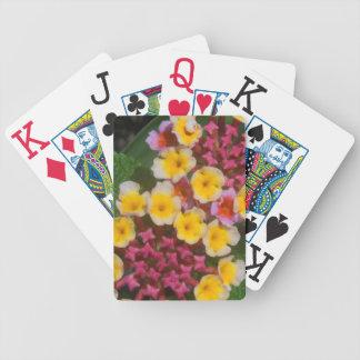 Kleine gelbe tropische Blumen mit den rosa Knospen Bicycle Spielkarten