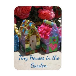 Kleine Häuser im Garten Magnet