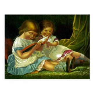 Kleine Mädchen, die Vintage Illustration lesen Postkarte