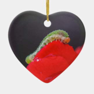 Kleine Raupe Keramik Herz-Ornament
