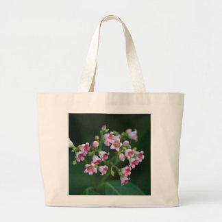 Kleine rosa Wildblumen Jumbo Stoffbeutel