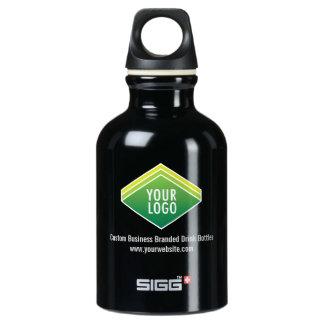 kleine schwarze Flasche des Wasser-0.3L mit