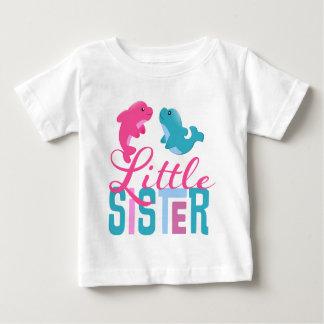 Kleine Schwester-Delphine Baby T-shirt