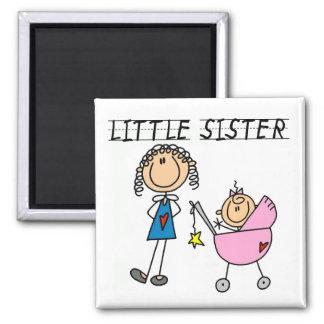 Kleine Schwester mit großen SIS-T-Shirts Kühlschrankmagnete