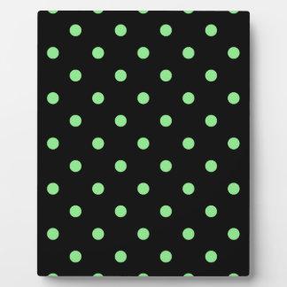 Kleine Tupfen - hellgrün auf Schwarzem Fotoplatte