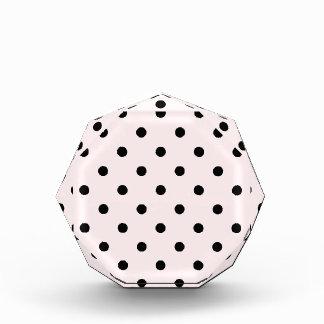 Kleine Tupfen - schwärzen Sie auf blassem - Rosa Auszeichnung