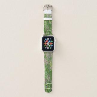 Kleine weiße und lila Blumen Apple Watch Armband