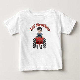 Kleiner Bruder-Rot-Traktor Baby T-shirt