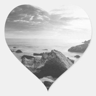 Kleiner Corona- del Marschwarzweiss-strand Herz-Aufkleber