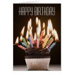 Kleiner Kuchen mit Geburtstag leuchtet Geburtstags Karte