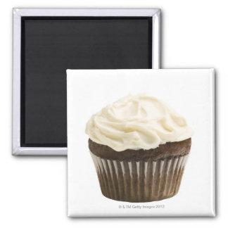 Kleiner Kuchen mit Schokoladenzuckerglasur, Studio Quadratischer Magnet