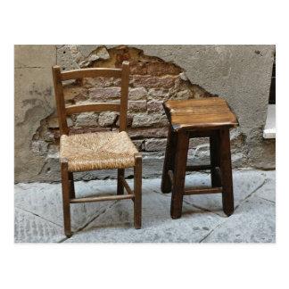 Kleiner Stuhl und Schemel, Pienza, Italien Postkarte