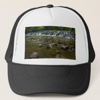 Kleiner Wasserfall Truckerkappe