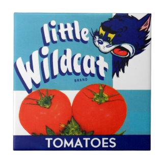 Kleiner wilder Tomatekistenaufkleber Fliese