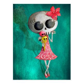 Kleines Fräulein Death mit Halloween-Eiscreme Postkarte