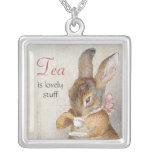 Kleines Kaninchen-nippende Tee-Halskette Beatrix P