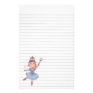 Kleines Mädchen-Ballett-Tänzer mit Krone und Stab Briefpapier