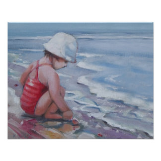 Kleines Mädchen mit weißem Hut am Strand Poster