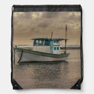 Kleines Schiff in Ozean Porto Galinhas Brasilien Turnbeutel