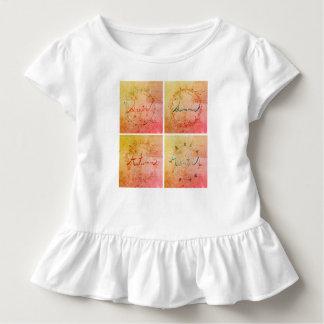 Kleinkindausstattung mit vier Jahreszeiten Kleinkind T-shirt